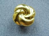 Gilded metallic button